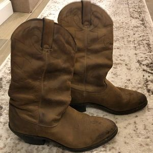 Vintage Durango Cowgirl boots w gold tip accent